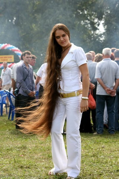 Super long hair: knee length